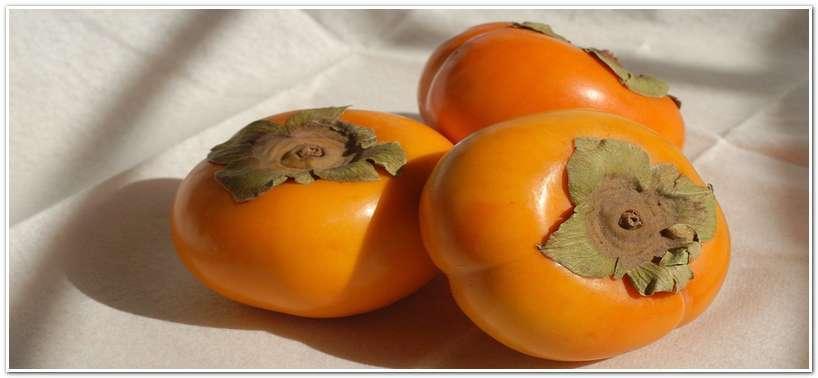 Плоды хурмы не похожи на ягоды