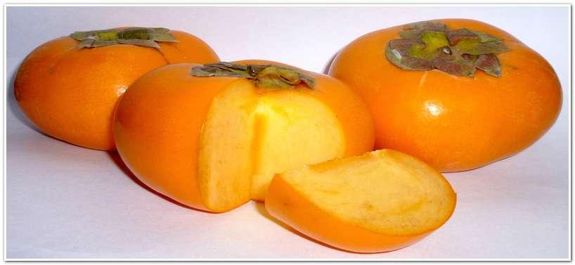 Плоды японской хурмы